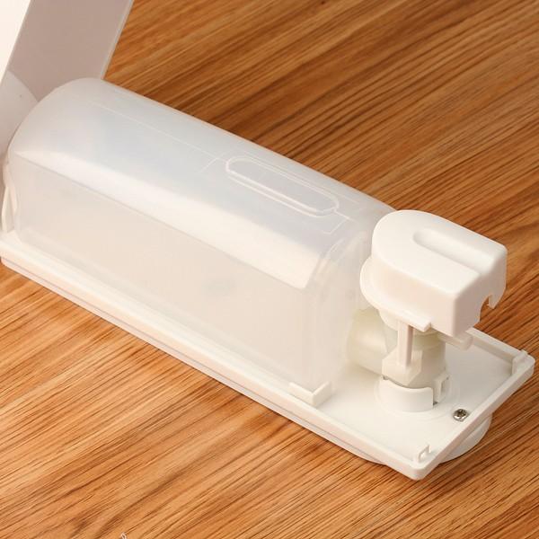 distributeur de savon pour cuisine ou salle de bains. Black Bedroom Furniture Sets. Home Design Ideas