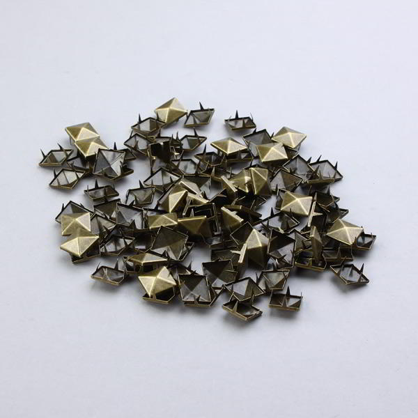 100 Tachuelas decorativas 15mm remaches apliques en bronce piramide
