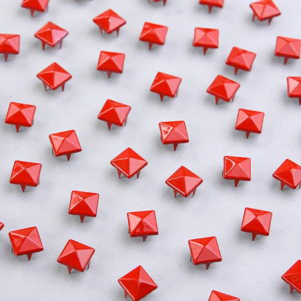 Para Zapatos Metalicas 100 Ropa Cuero Pirámide 9mm Tachuelas Rojo 3RL4A5j