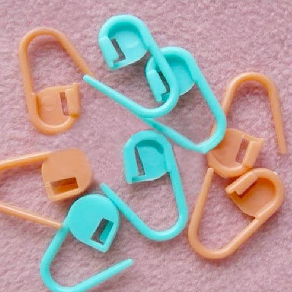 Crochet Stitch Markers Uk : ... 200 Locking Stitch Markers for Knitting and Crocheting Assorted Pack