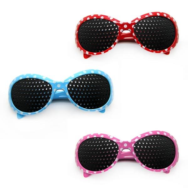 84a80b9480d9f Oculos Pin Hole Reticulados Melhora da Visão Bolinhas Retro