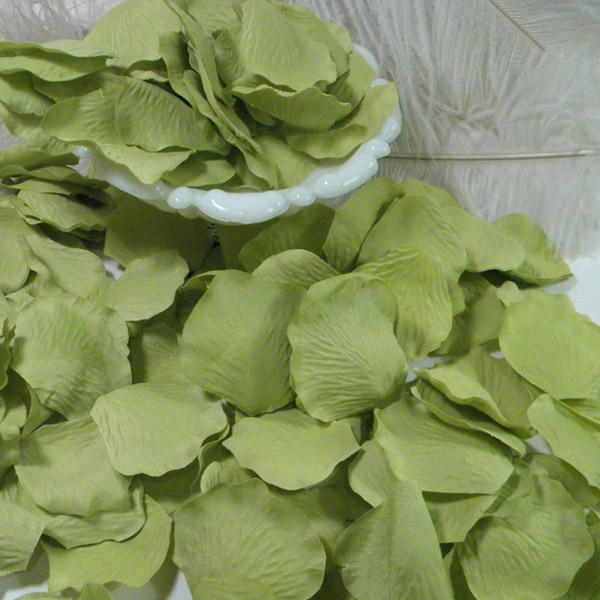 1000 Apple Green Rose Petals Silky for Wedding Party Events Hotels