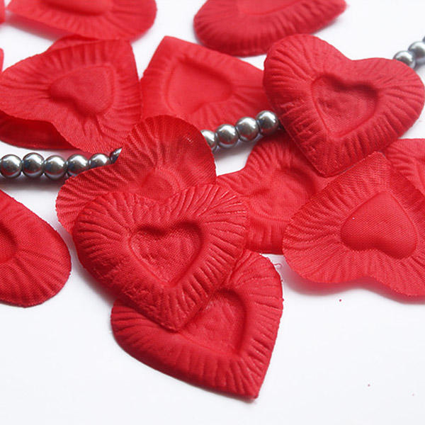1000 Heart Shaped Rose Petals for Wedding Decor Valentine's Day Gift